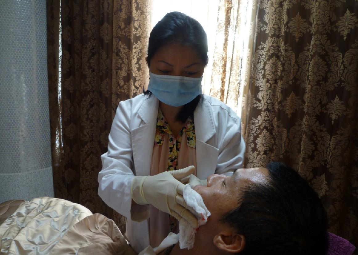 眼袋加脂肪移植 打造電眼修飾中臉
